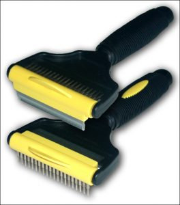The Hair-raiser 80, showing the two heads - the comb (above) and the rake (below).